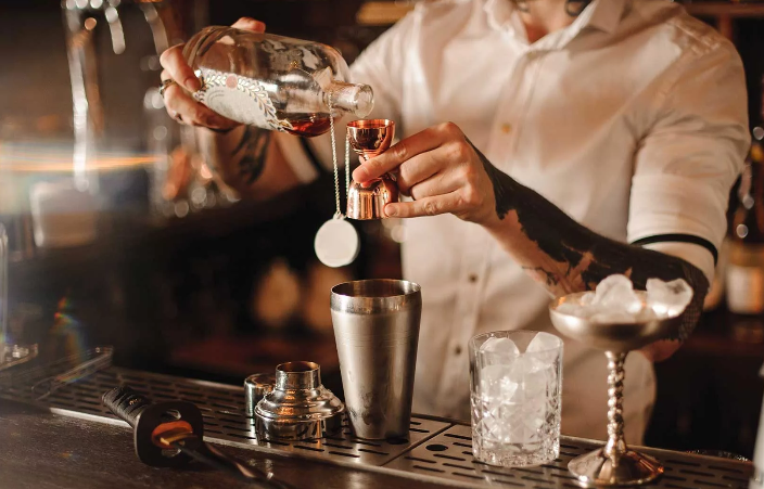 How Long Does it Take to Become a Bartender? | Reviews 2020