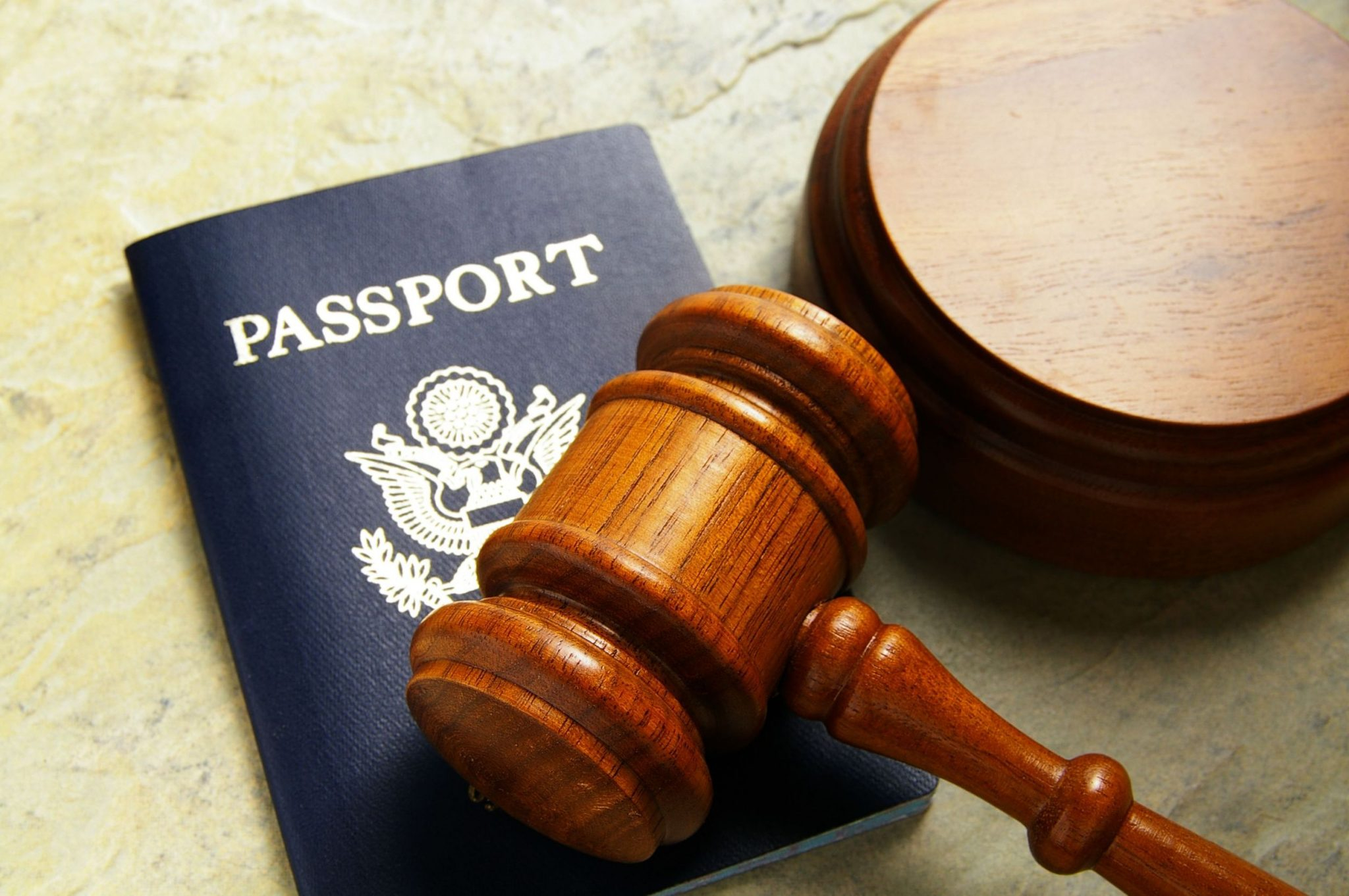 how to become an immigration lawyer