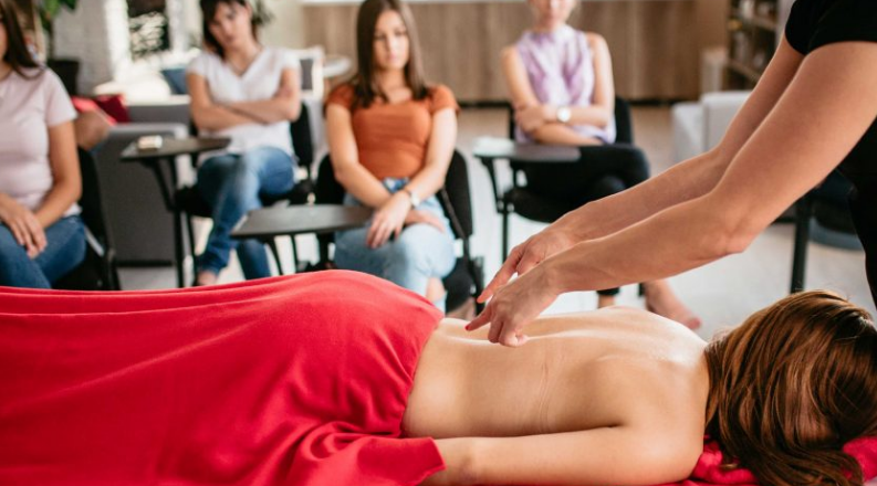 How Much Does Massage Therapy School Cost 2021 – Guide For You